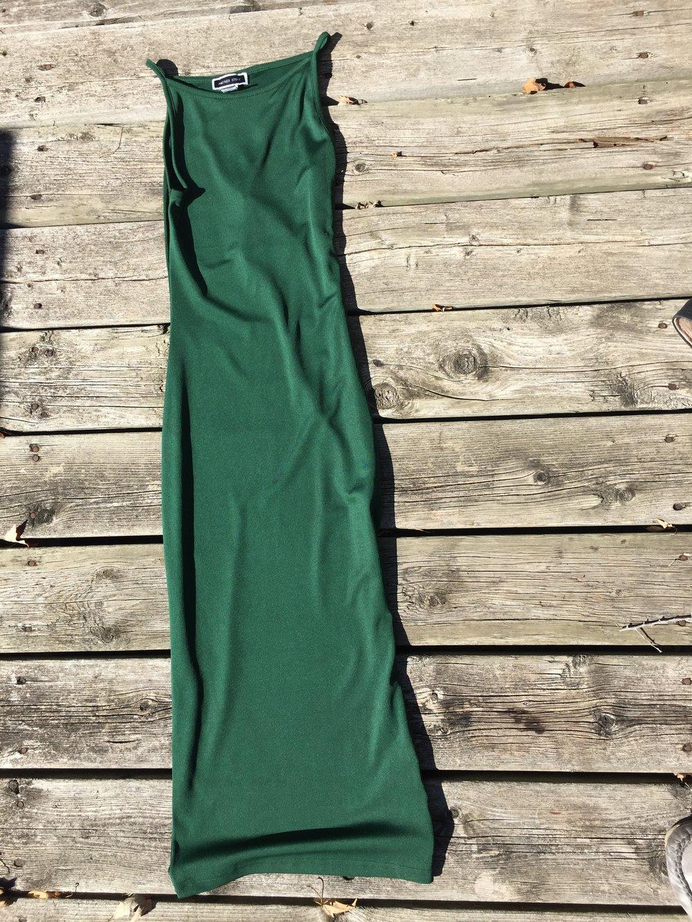 Sleeveless Green midi dress