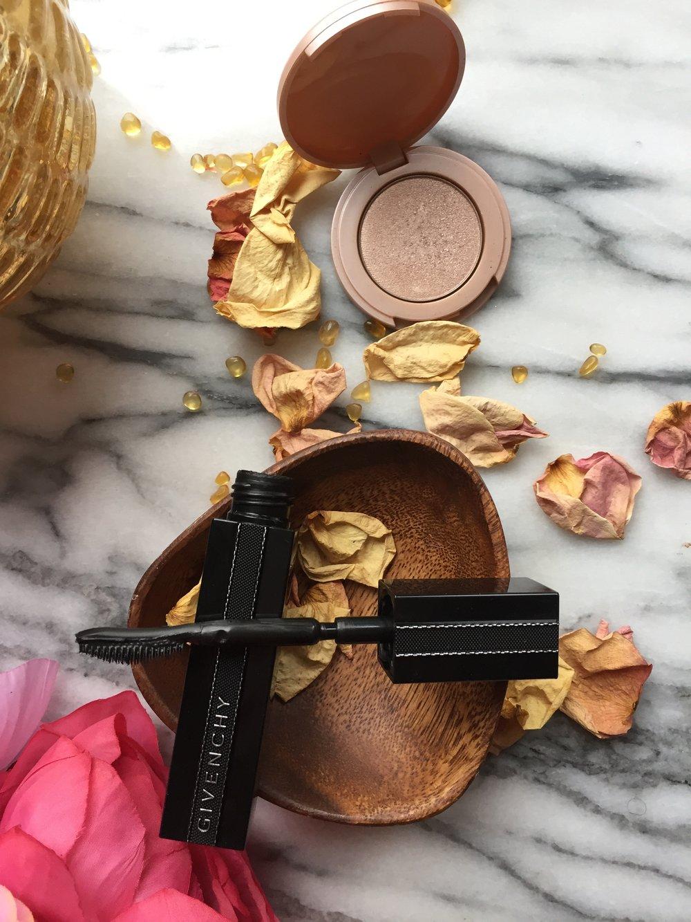 Givenchy Noir Interdit Mascara and Tarte Stunner Highlighter