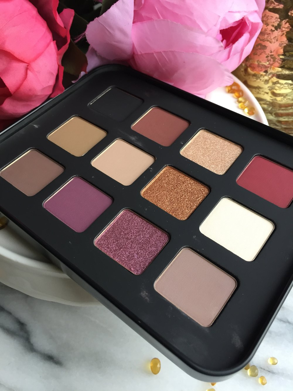 Makeup Forever Lustrous Shadow Palette