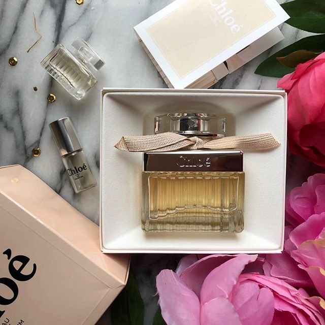 It's early afternoon and although I have no plans to go anywhere I've doused myself in my favourite  @chloe chole perfume 🥰