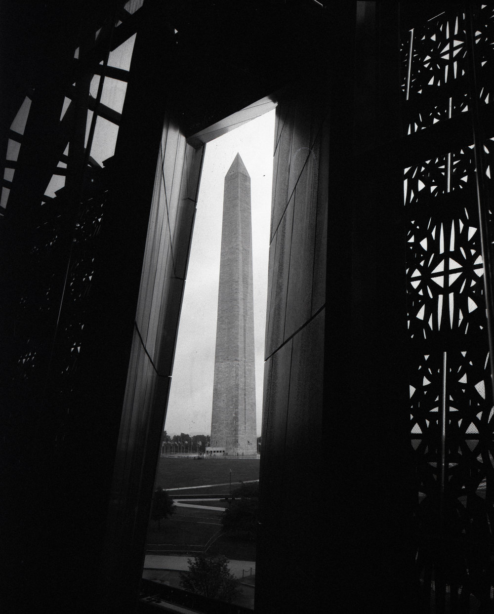 Washington Monument GF670w + Bergger 400 at 1600 in Xtol
