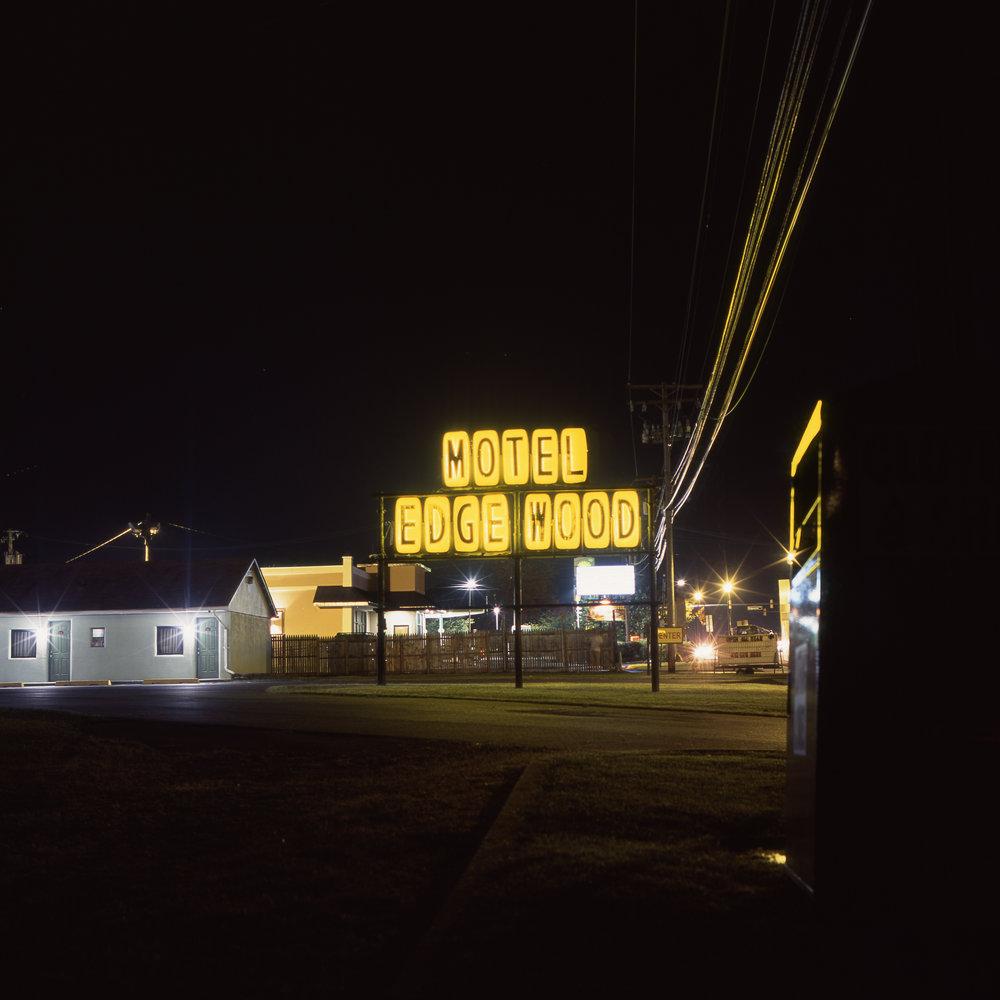 Motel Edgewood Hasselblad 501cm | 80mm F2.8 T* | Fuji Provia 100f