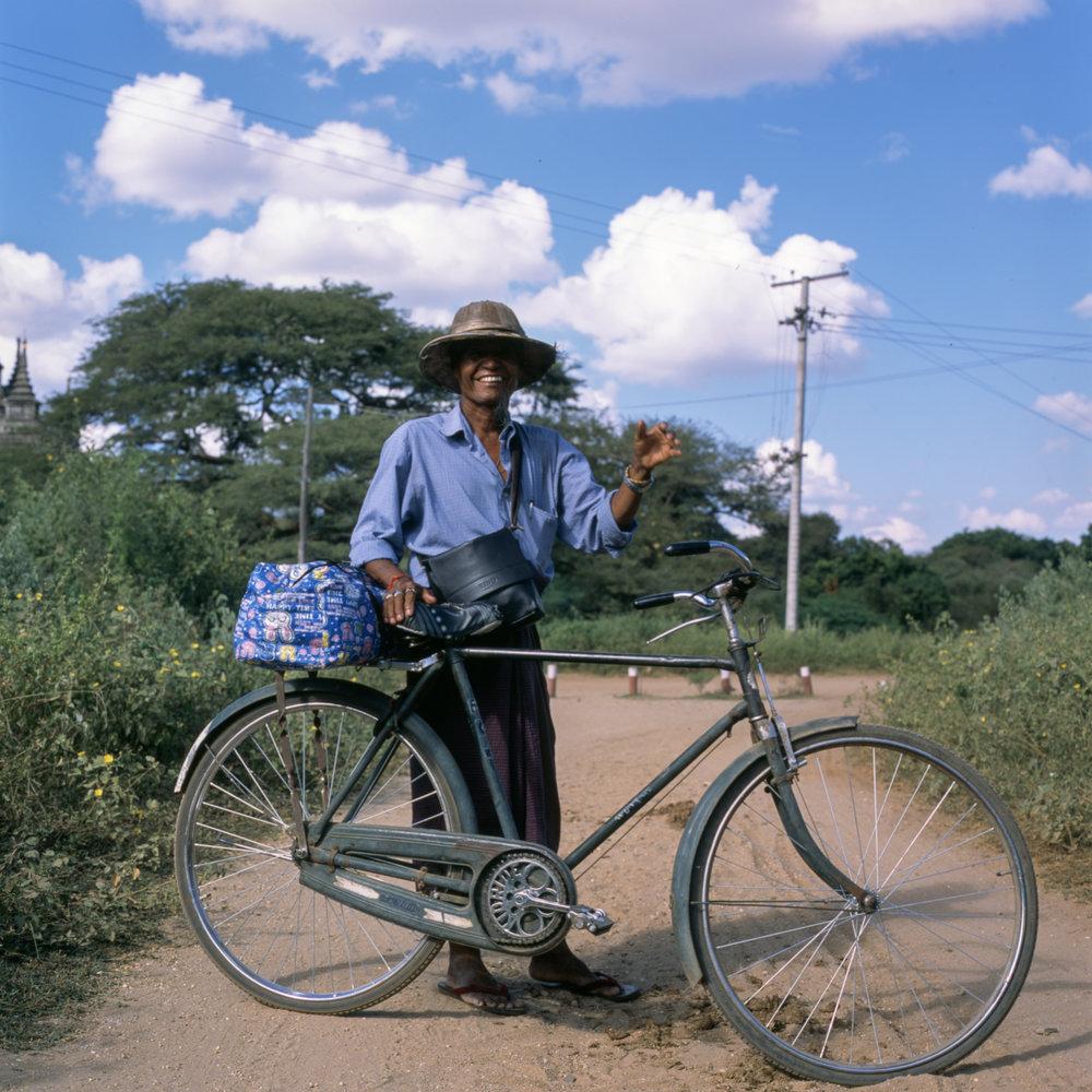 Smiles in Bagan, too! Hasselblad 501cm | Fuji Provia 100f