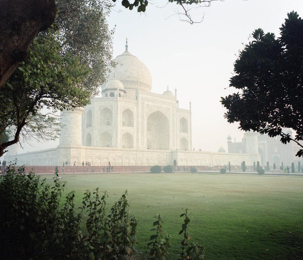Taj Mahal Fuji GF670w | Kodak Portra 400