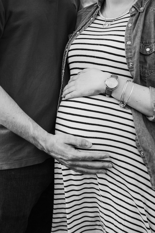 17-0415-Bryce + Georgie Maternity SE-26.jpg