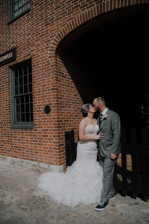 17-0520-Mike + Hannah_SE-27.jpg