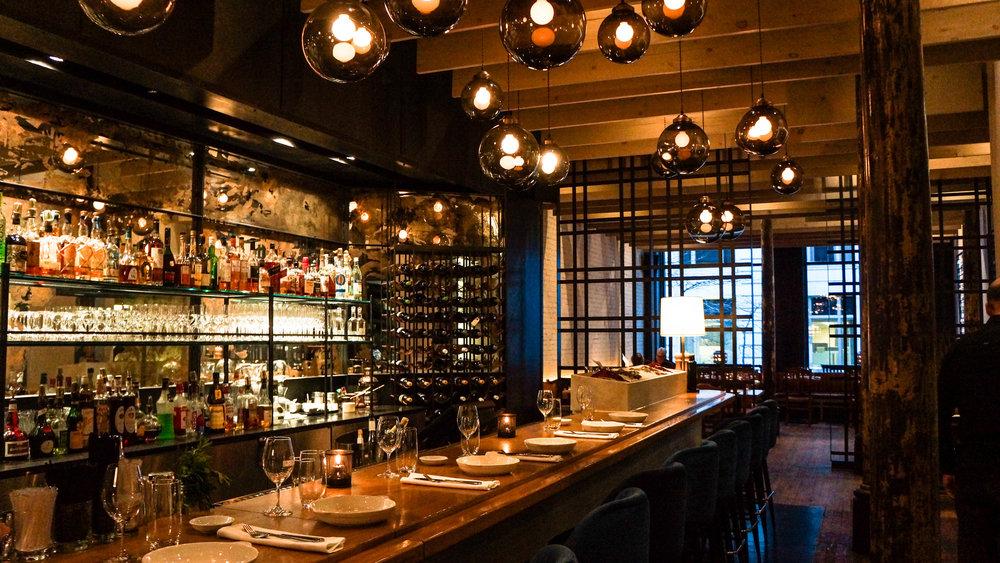 Ikanos Restaurant - 112 Rue Mc Gill, 514-842-0867