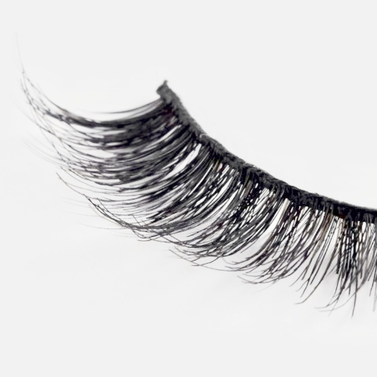 BEST INEXPENSIVE FALSE EYELASHES  - KISS NEW YORK PROFESSIONAL - FAUX MINK EYELASHESGET THOSE LONG, FULL LASHES YOU HAVE ALWAYS WANTED WITHOUT BREAKING THE BANK THANKS TO KISS NEW YORK'S FAUX MINK LASHES.LET THOSE LASHES FLUTTER WITH