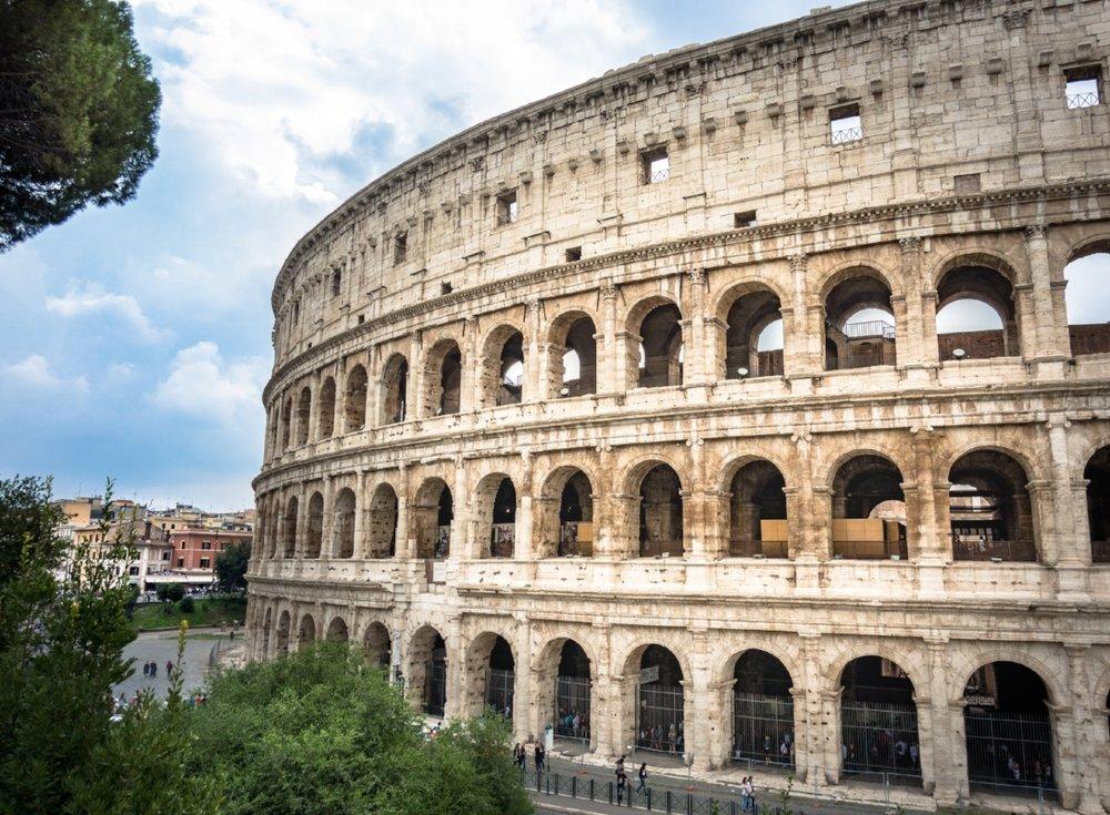 Colosseum - Rome.jpg