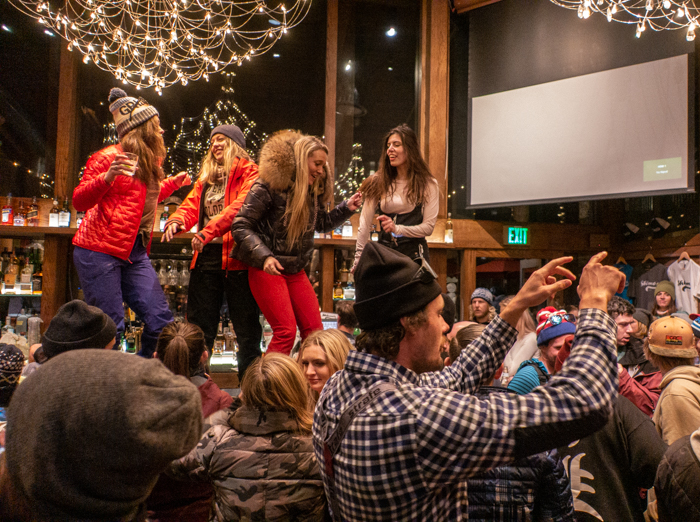 Après Ski gets rowdy at Shlomo's Deli and Grill