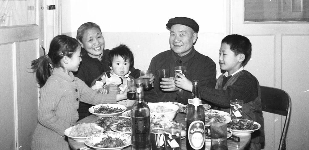 赵燕冬的父母与家人
