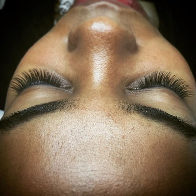 Finished set! Perfection...😎⚡️#eyelashextensions #sunspaflushing #beautycare #nyc