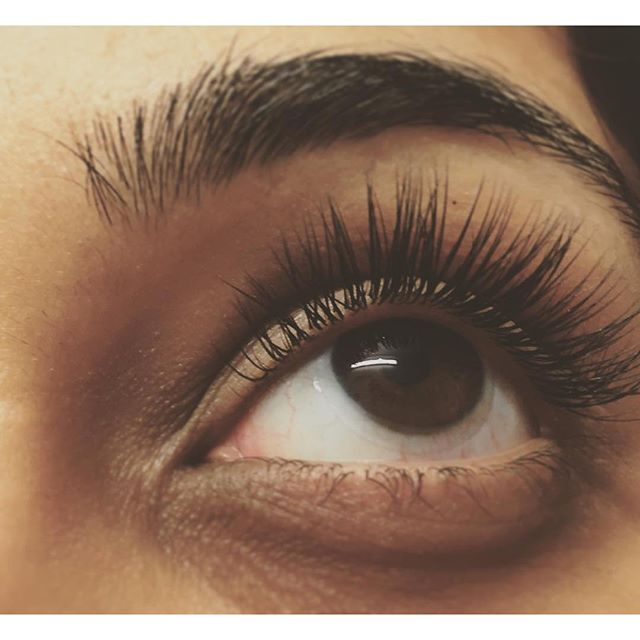 Beautiful uniformity #sunspaflushing #beauty #eyelashextensions #ny