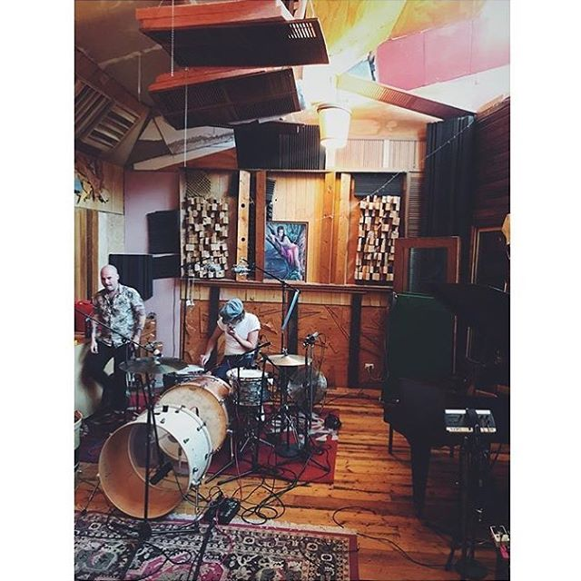 Monster kit monster player! Had the best time recording the mighty @thedeltariggs at @soundpark_idge studios in Northcote, Melbourne. Some of the dopest tunes ever and some killer tones! Stay tuned! #production #music #producer