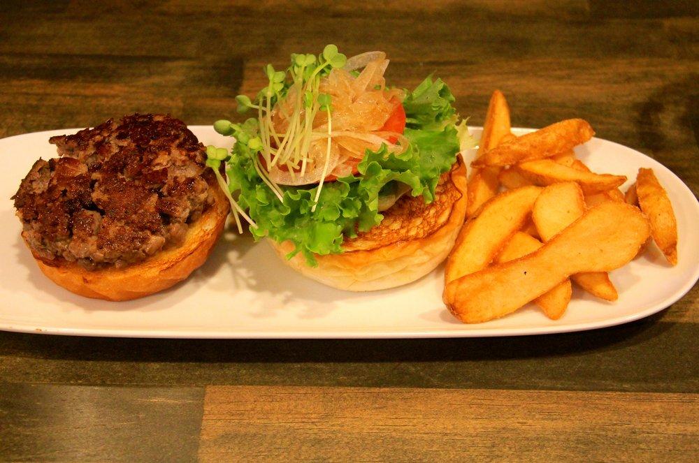 Kobe Beef Burger, Kokopelli, Osaka, Japan