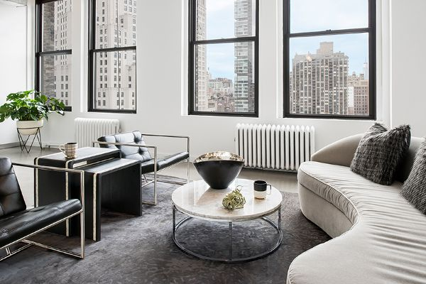 New York's Ford Models Office Gets a Striking Makeover - Sleek lines and modern design for the win.MYDOMAINE