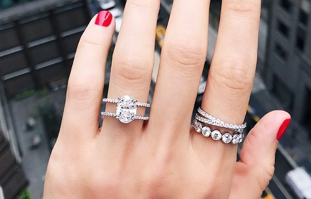The Engagement Ring Styles Fashion Girls Are Loving - From timeless to trend-forward.WHO WHAT WEAR11.11.17