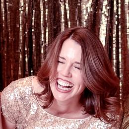 Lisa-Guillot-laughing