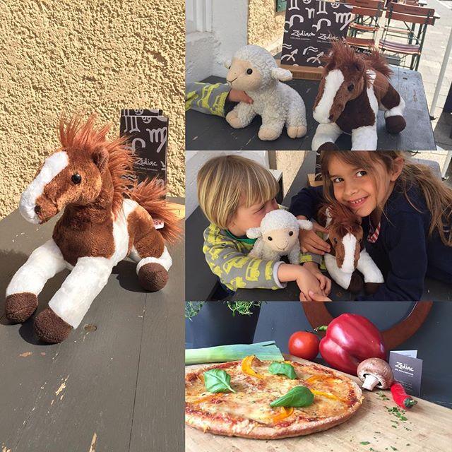 That's the type of animal we like on our table. #ZodiacPizza #LovePizzaHappyness #plantbased #veganwerdenwaslosdigga #vegansofig #veganPizza #toysNotFood