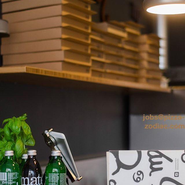 Idealerweise wäre dies unsere Benachrichtigung mit dem konkreten Zeitpunkt, wann genau Ihr wieder unsere Pizzen genießen könnt. Allerdings brauchen wir dafür noch dringend personelle Verstärkung (bei Interesse, bitte Mail an: jobs@pizza-Zodiac.com)und wir arbeiten mit Hochdruck daran so schnell wie möglich aufzumachen.  Wir wollen dass es weitergeht, wir glauben an unser Konzept, wir glauben an Geschmack, der lecker und gesund ist, und wir glauben an Euch.Wir glauben an  Vegetarisch/Vegan/Bio, an München, und schöpfen Energie aus allem was zur Zodiac Pizza dazugehört und freuen uns auf Alles, was kommt. Bitte glaubt Ihr auch an uns und habt bitte noch ein wenig Geduld. Wir informieren Euch umgehend sobald die Türen aufgehen.