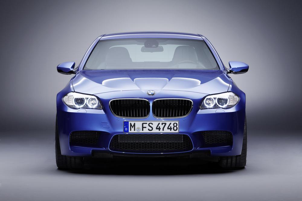 2012-BMW-M5-F10-22