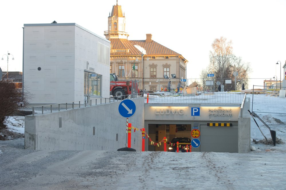 Inkörsramp på Köpmansgatan.