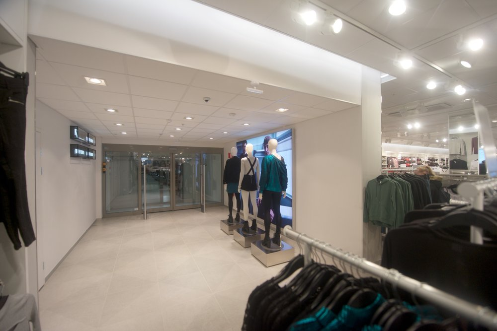 Anslutning till Jakob Center via H&M.