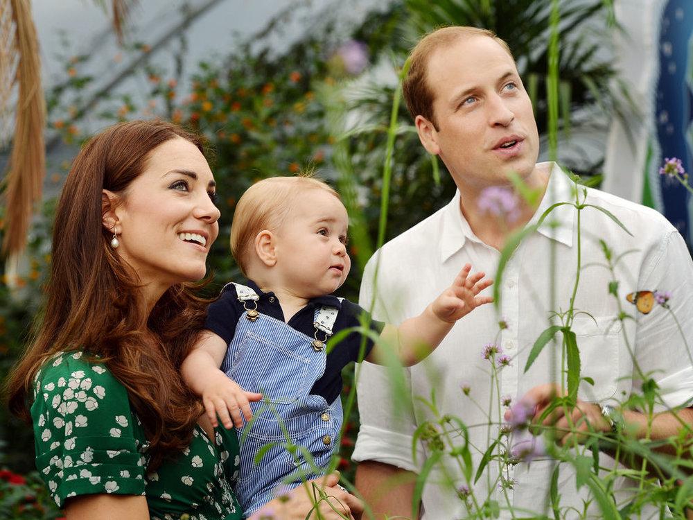 Kate-Middleton-le-prince-William-et-le-prince-George-au-Musee-d-Histoire-naturelle-de-Londres-le-2-juillet-2014_exact1024x768_l.jpg