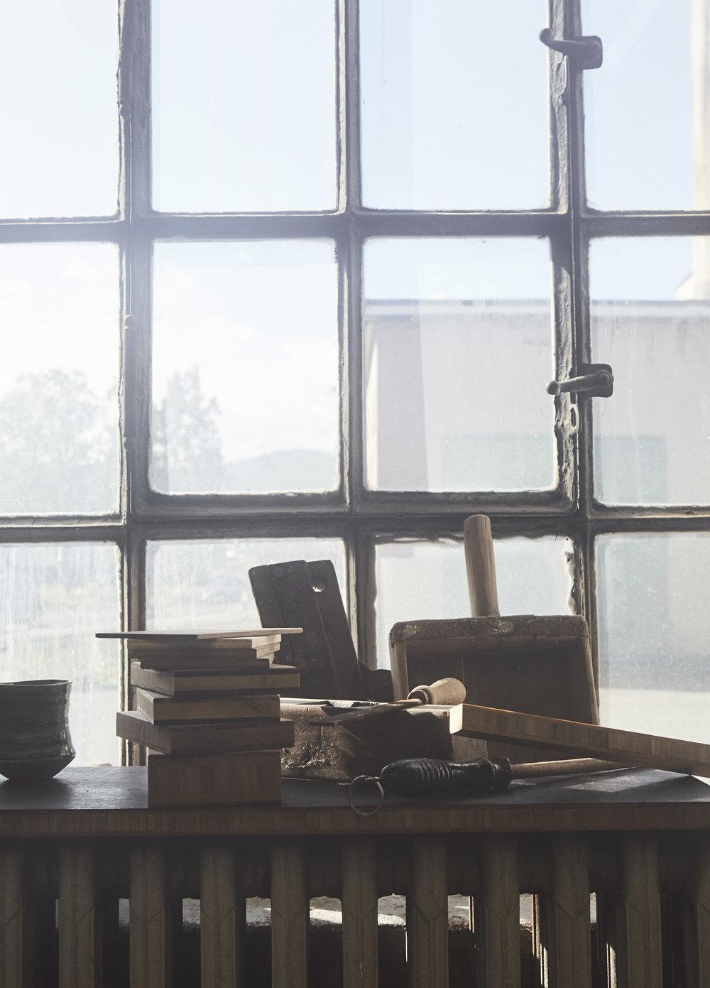 ask og eng studio window - web.jpg