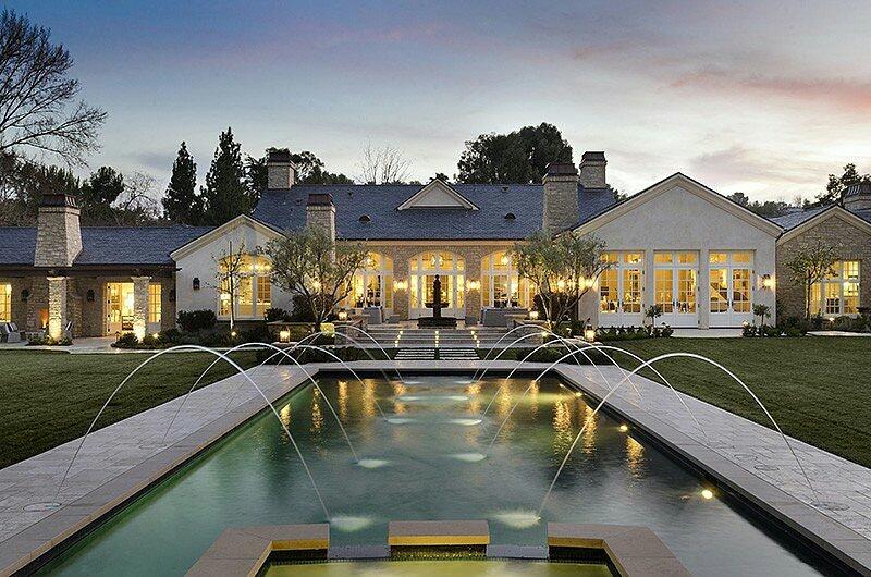 photo: Zillow, X17, popsugar  Kanye's present home backyard