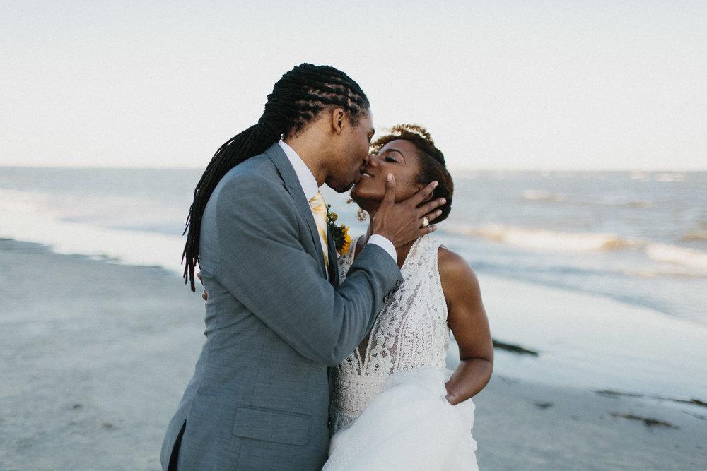 saint_simons_island_georgia_king_and_prince_wedding_photographers-714.jpg