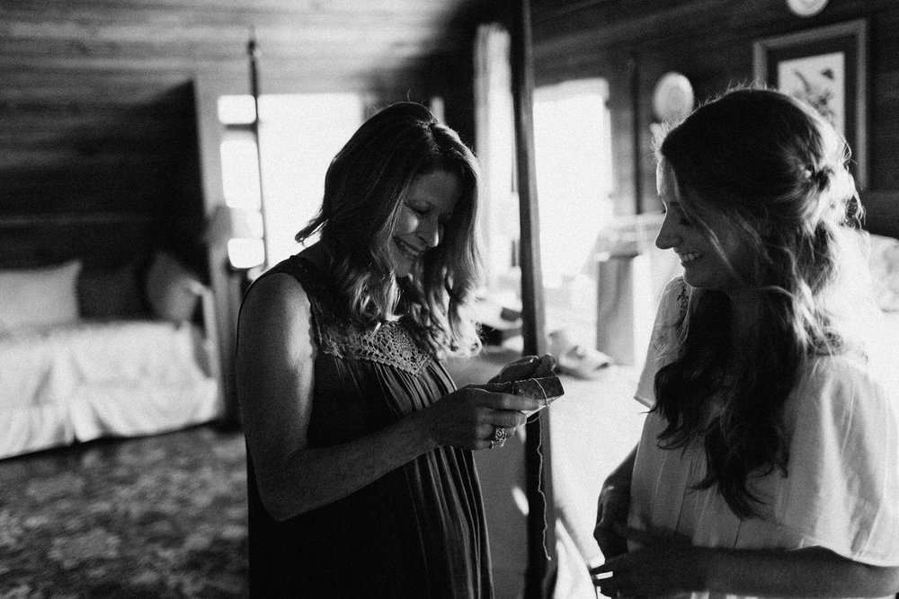 glen_ella_meadow_creekside_atlanta_wedding_photographers_1080.jpg