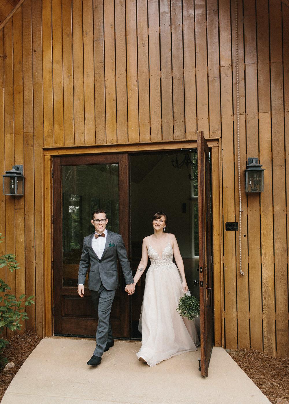 dahlonega_juliette_chapel_photojournalism_atlanta_wedding_photographers_1361.jpg