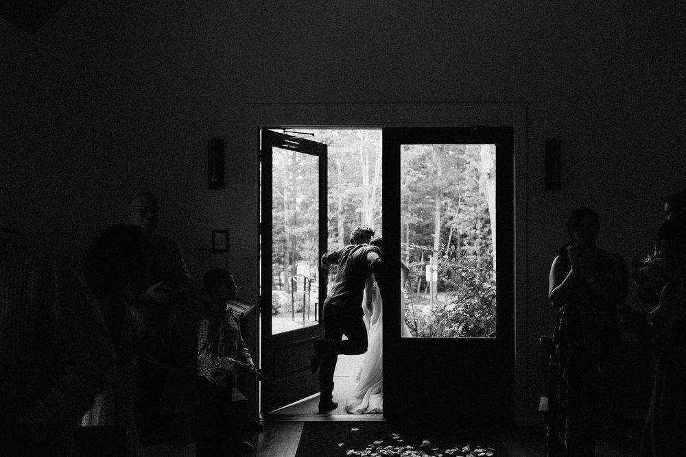 dahlonega_juliette_chapel_photojournalism_atlanta_wedding_photographers_1797.jpg
