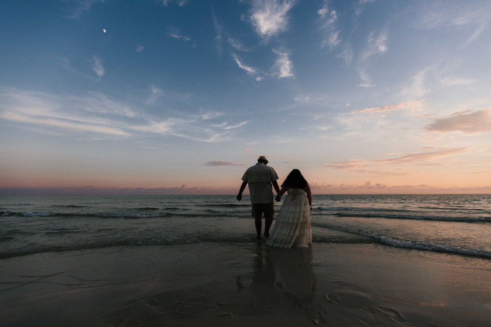 destin_sunset_beach_elopement_intimate_wedding_photographer_florida_documentary_1324.jpg