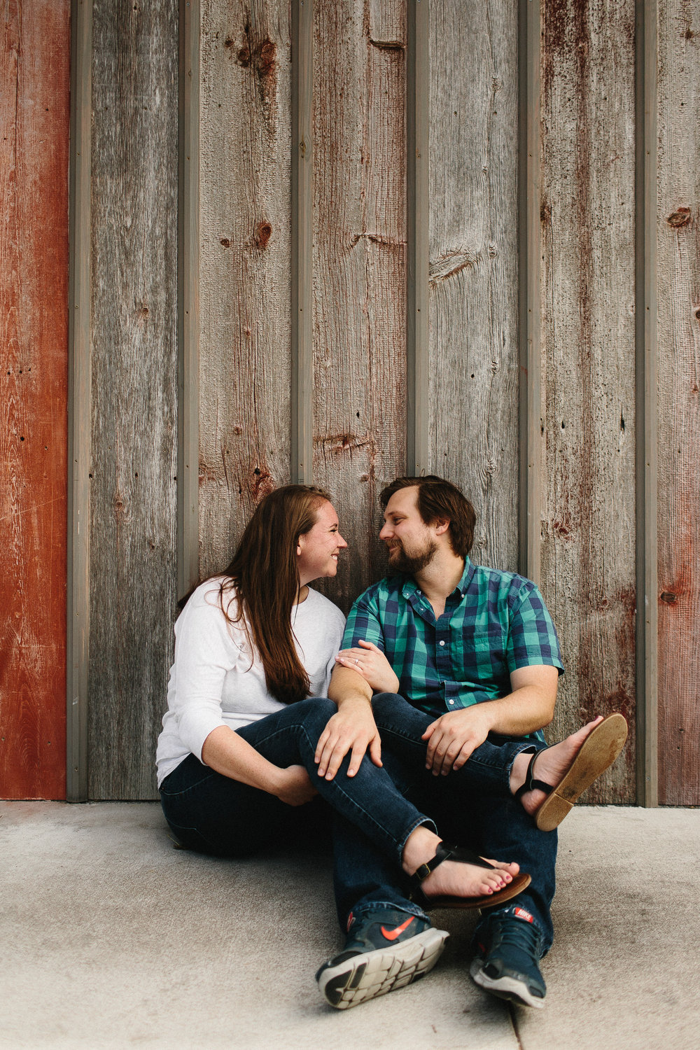 iowa_city_engagement_adventure_prairie_graduate_at_home_dog_couples_downtown_wilsons_orchard_1052.jpg