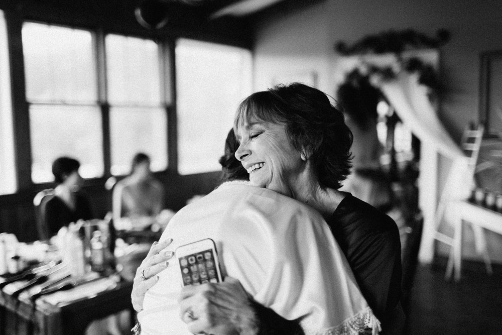cleveland_georgia_mountain_laurel_farm_natural_classic_timeless_documentary_candid_wedding_emotional_photojournalism_river_west_1070.jpg