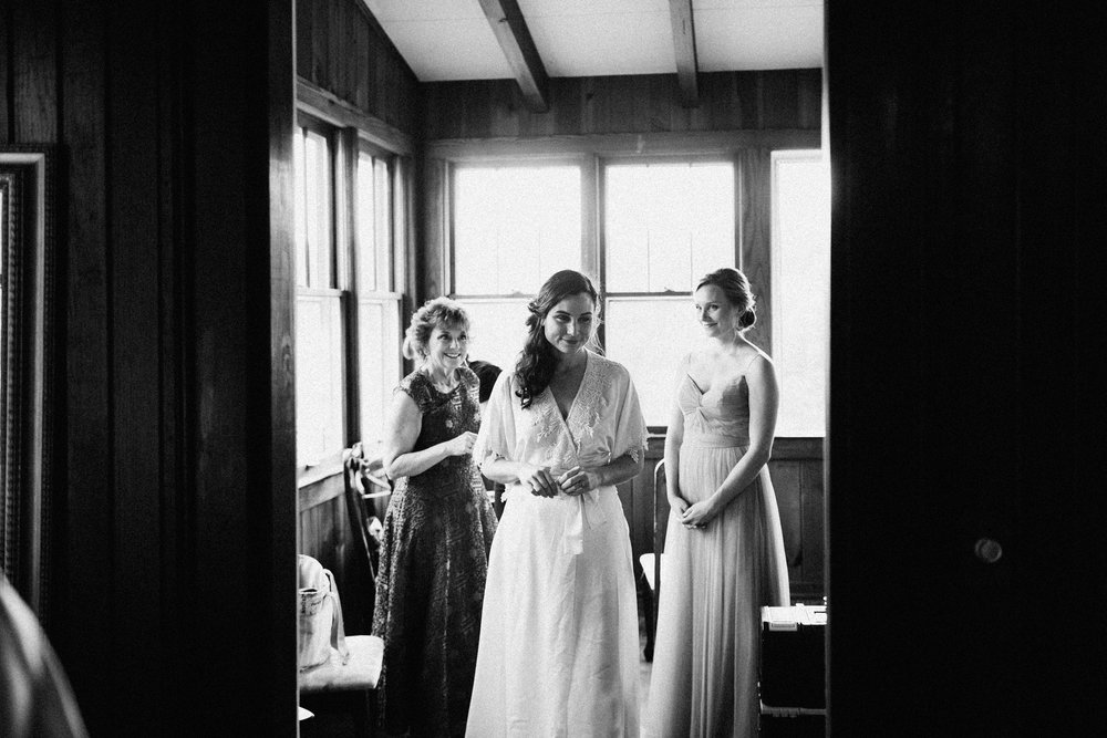 cleveland_georgia_mountain_laurel_farm_natural_classic_timeless_documentary_candid_wedding_emotional_photojournalism_river_west_1169.jpg