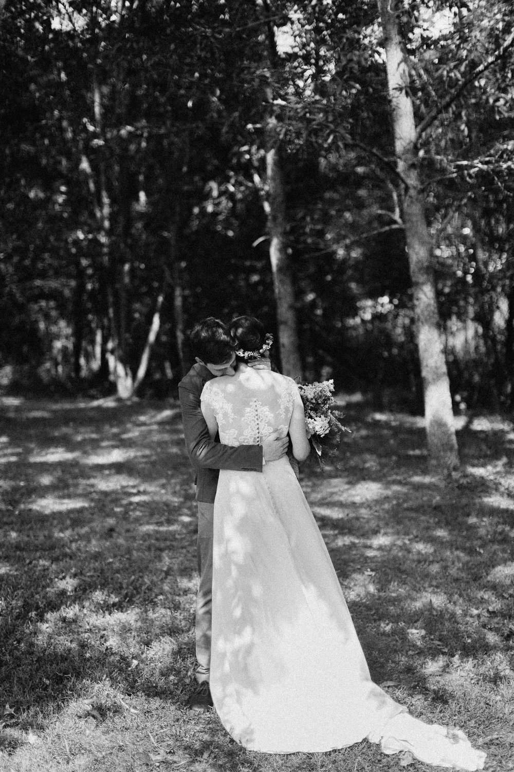 cleveland_georgia_mountain_laurel_farm_natural_classic_timeless_documentary_candid_wedding_emotional_photojournalism_river_west_1248.jpg