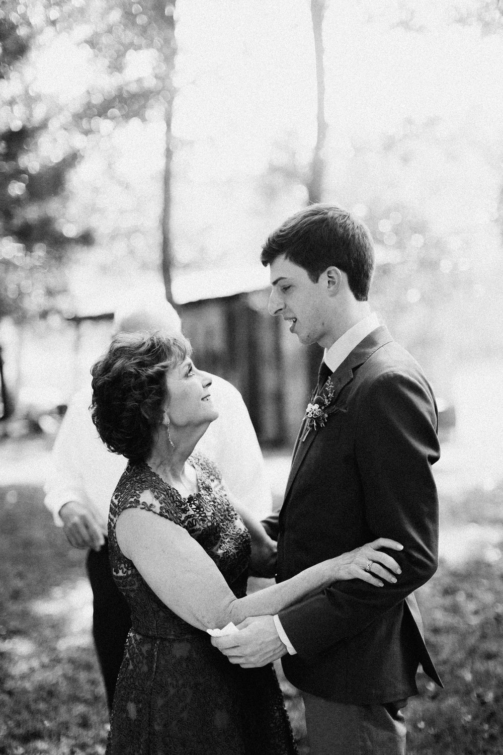 cleveland_georgia_mountain_laurel_farm_natural_classic_timeless_documentary_candid_wedding_emotional_photojournalism_river_west_1287.jpg