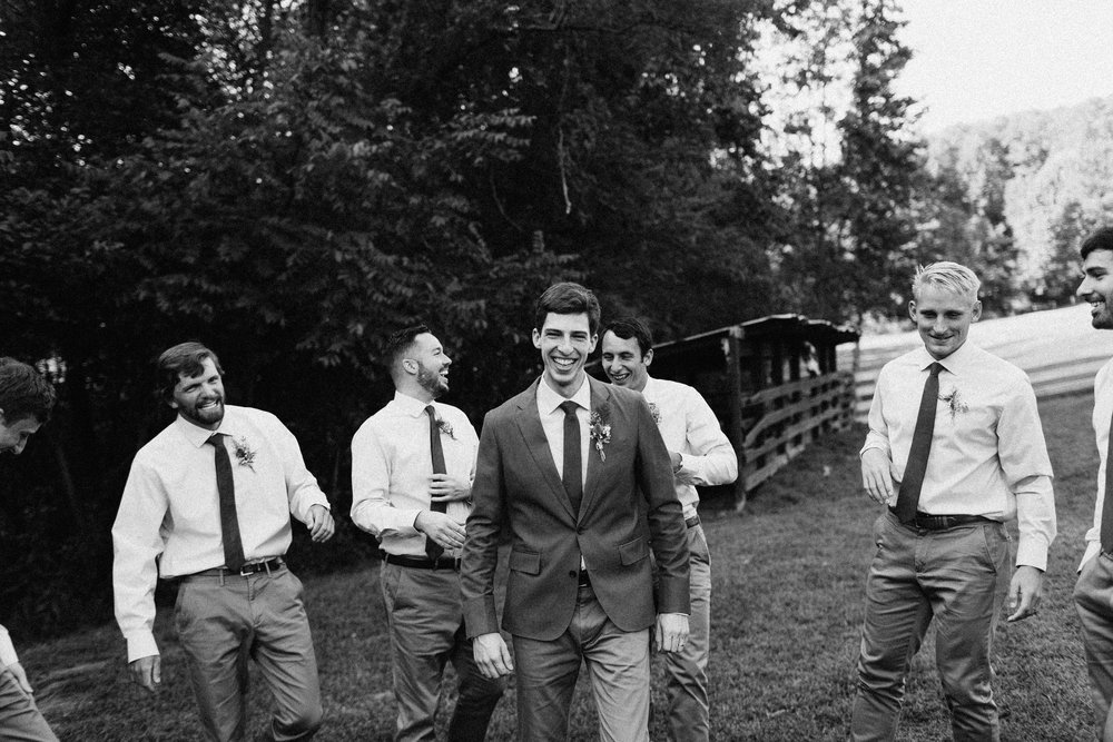 cleveland_georgia_mountain_laurel_farm_natural_classic_timeless_documentary_candid_wedding_emotional_photojournalism_river_west_1499.jpg