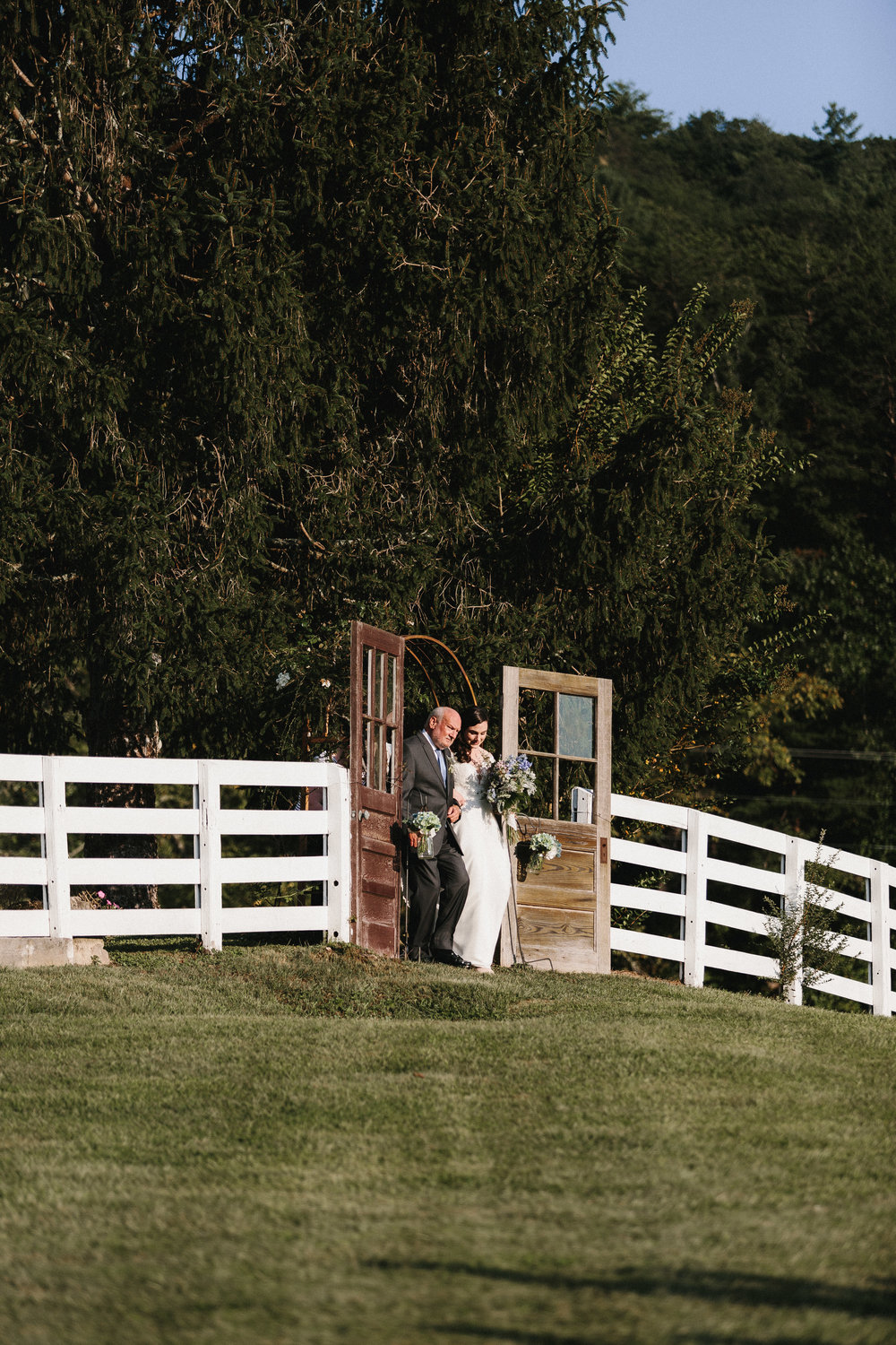 cleveland_georgia_mountain_laurel_farm_natural_classic_timeless_documentary_candid_wedding_emotional_photojournalism_river_west_1632.jpg