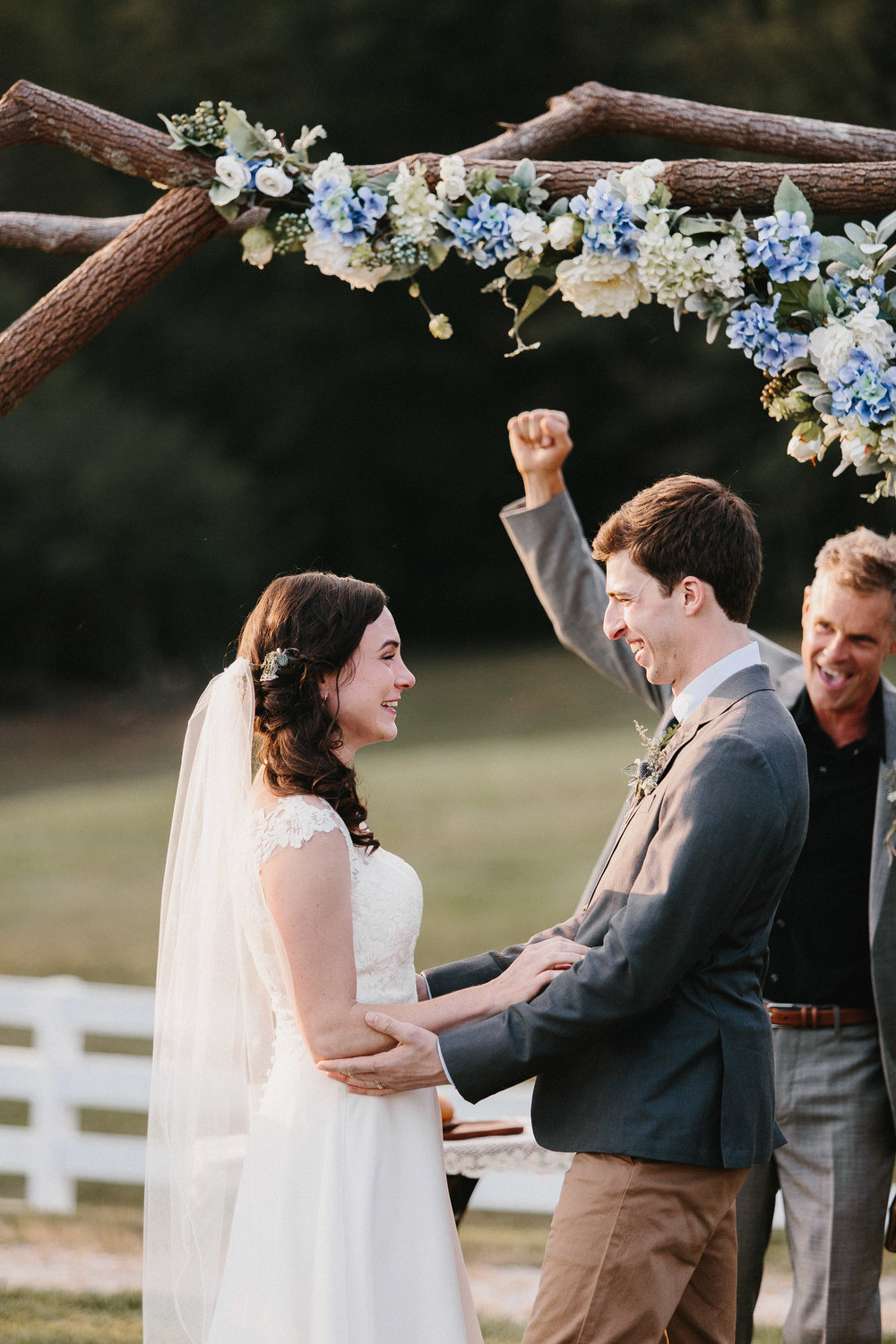 cleveland_georgia_mountain_laurel_farm_natural_classic_timeless_documentary_candid_wedding_emotional_photojournalism_river_west_1700.jpg
