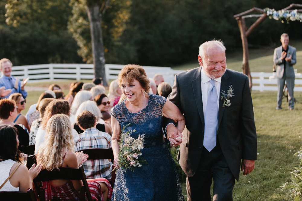 cleveland_georgia_mountain_laurel_farm_natural_classic_timeless_documentary_candid_wedding_emotional_photojournalism_river_west_1726.jpg
