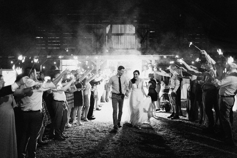 cleveland_georgia_mountain_laurel_farm_natural_classic_timeless_documentary_candid_wedding_emotional_photojournalism_river_west_2196.jpg