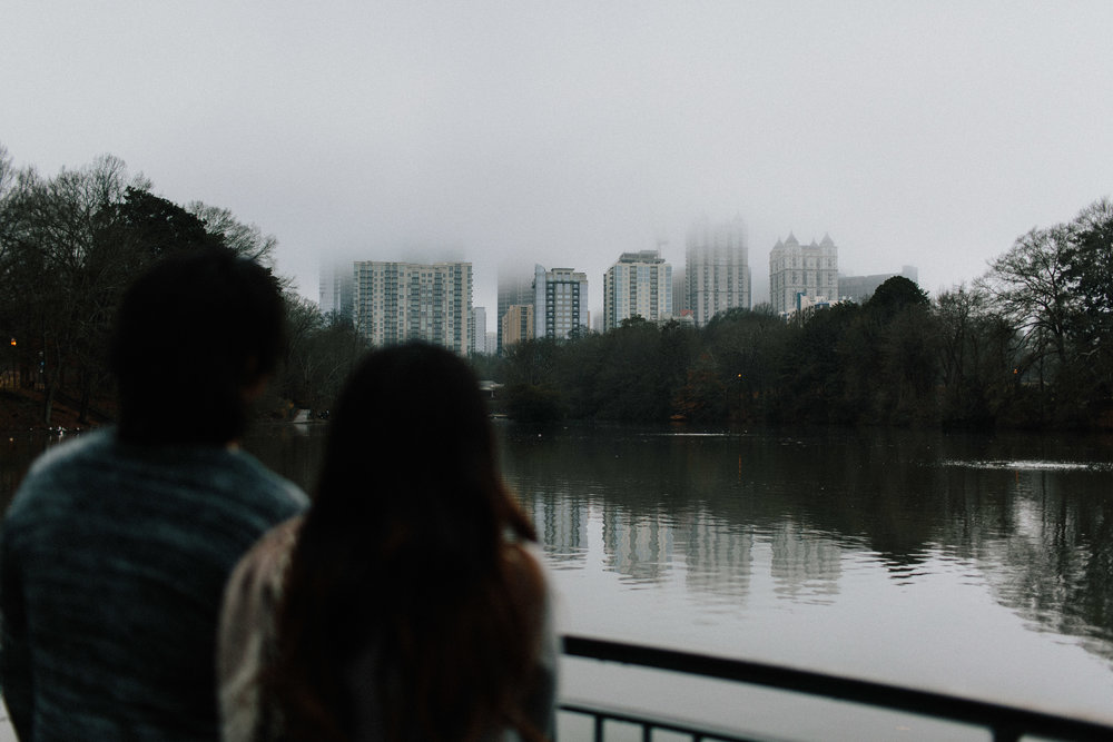 atlanta_gloomy_day_rainy_engagement_couple_lifestyle_fun_playful_artistic_georgia_photographer_2064.jpg