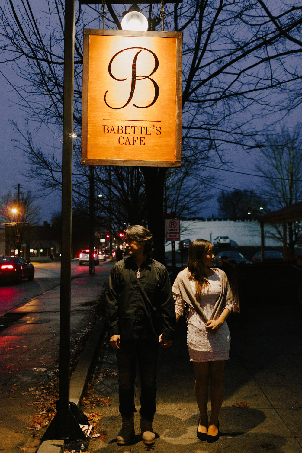 atlanta_gloomy_day_rainy_engagement_couple_lifestyle_fun_playful_artistic_georgia_photographer_2240.jpg