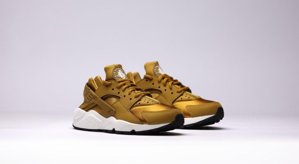 afew-store-sneaker-nike-wmns-air-huarache-run-bronzine-bronzine-sail-black-13