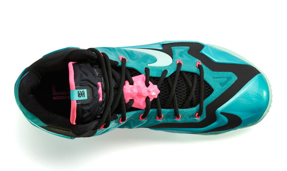 nike-lebron-11-south-beach-3
