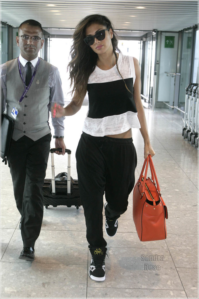 Nicole-at-Heathrow-INF